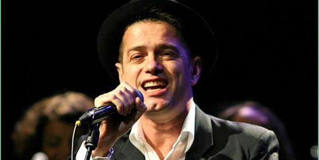 Juan Perro, sonero, juglar y pensador del rock español, en el Teatro Villa de Molina.